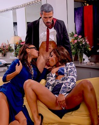 Bella Moretti and Misty Stone double team on the cock of Stedman